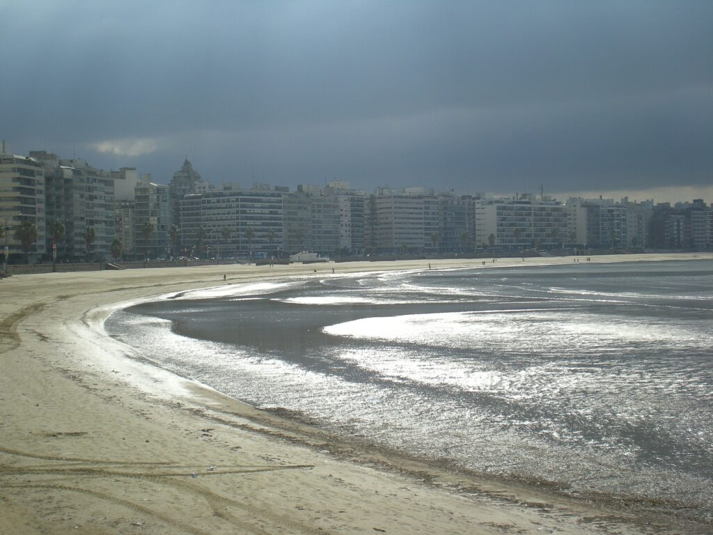 A <b>Rambla</b> é imperdível para quem vai a Montevidéu por apenas um dia.