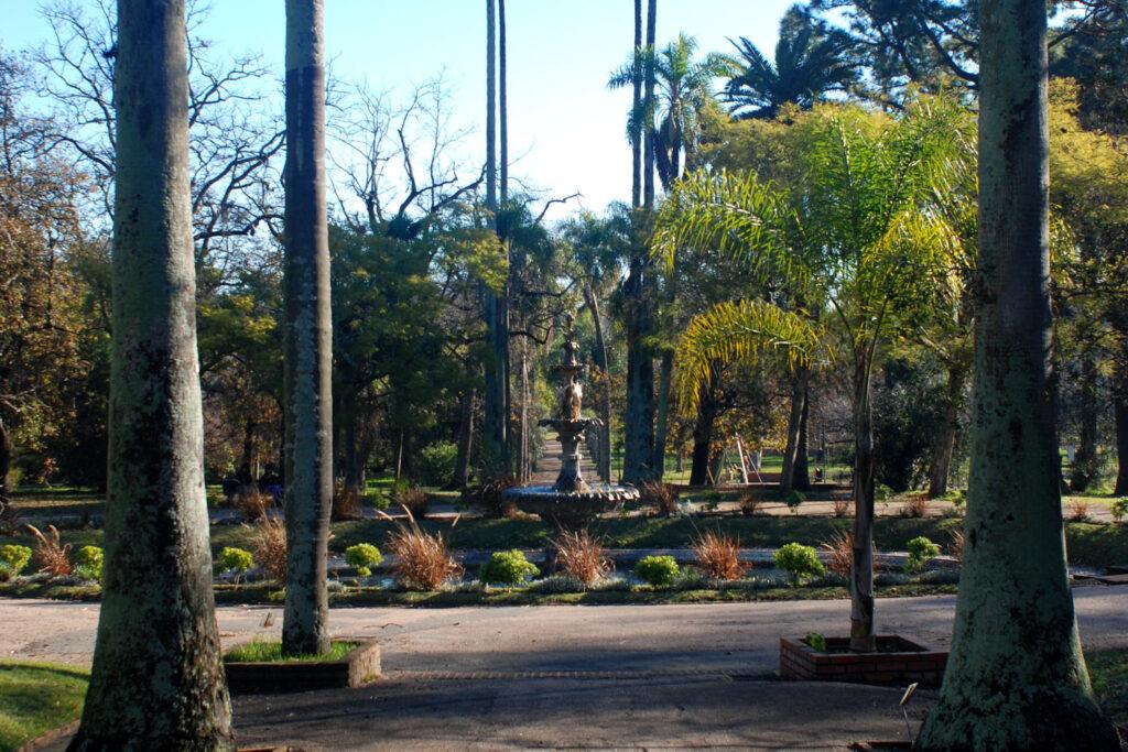 Se a preferência for por lugares verdes e não litorâneos, o <b>Jardim Botânico</b> ou o Rosedal del Prado são boas opções para estar em contato com a natureza.